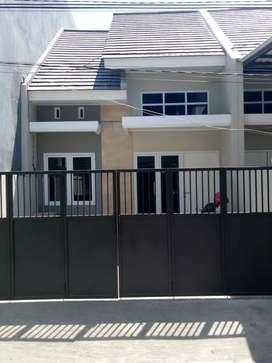 Rumah baru ploso timur dekat karang empat