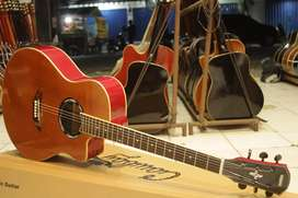 Gitar akustik coklat model