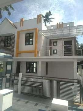3 bhk 1400 sqft new build reay to occupy at kakkanad near kurlard