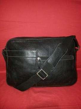 tas import eks Cellini made in Italy kulit asli hitam tebal slmpg