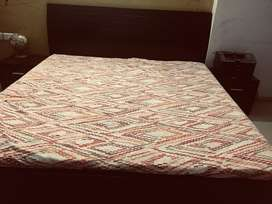 Bed with sleepwell mattress