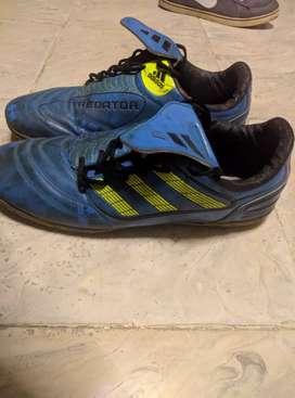 Sepatu Futsal Adidas Predator size 42