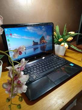 HP 14 Sleekbook Touchscreen Intel B987 2GB Ram 500GB HDD MURMER NO PR