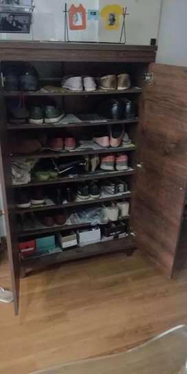 Super spacious walnut Shoe rack