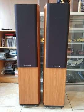 Speaker Floor Standing Wharfedale Diamond 9.5