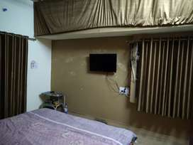 Fully Facilitated ROOMS for professional BOYS