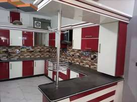 Portion Well furnished,