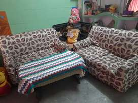 Sofa (Very good in condition)