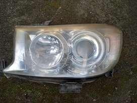 Lampu depan / headlamp fortuner 2010 ori
