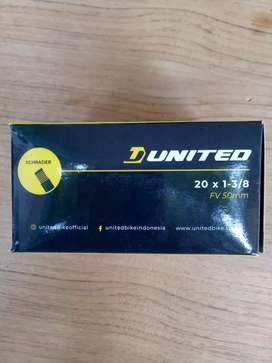 Ban dalam 20 x 1 3/8 FV 50mm united