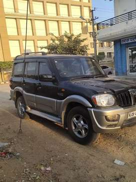 Good condition ,vlx top model,new car leni hai,vip number hai,
