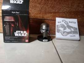 action figure starwars helmet