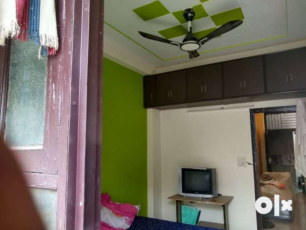 1700 sqft flat for sale in new construction vasundhara sec-13