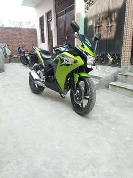 Top model,Perfect condition Sport bike Honda CBR 150R