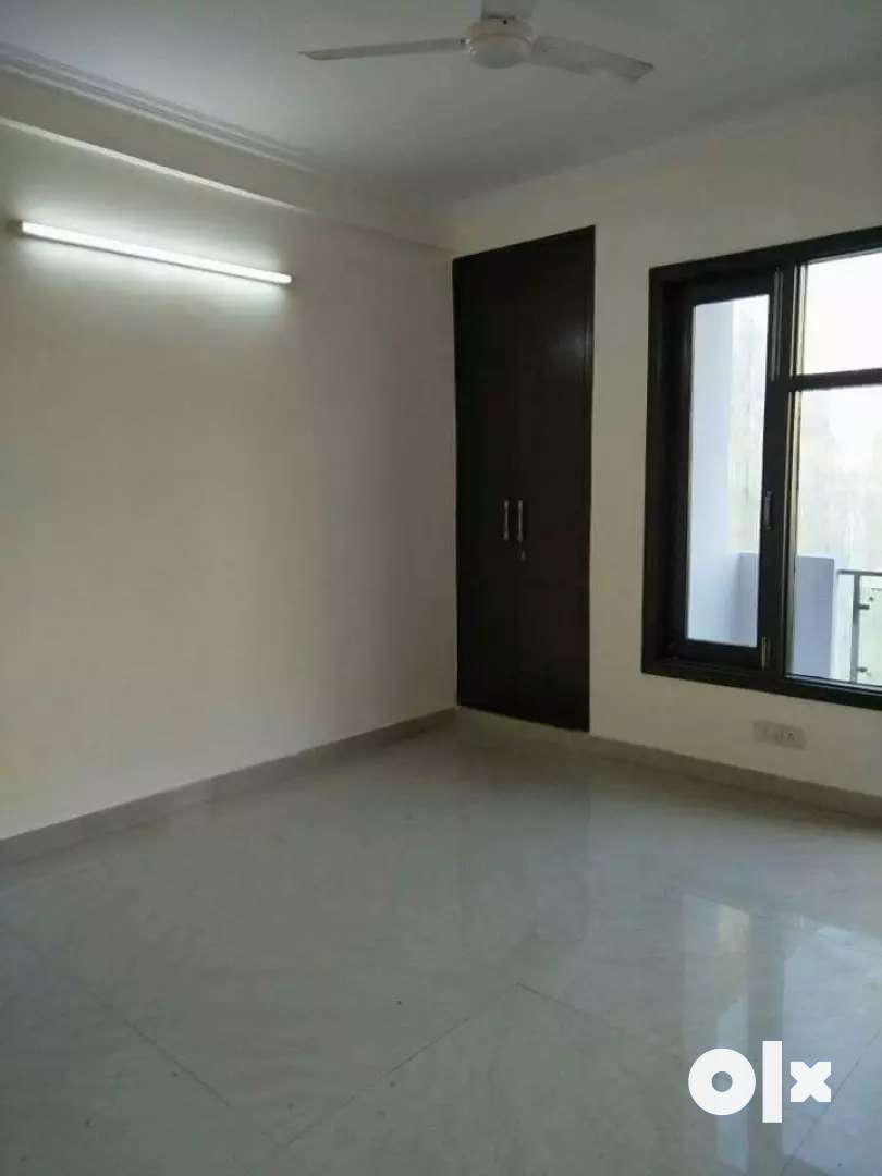 1 room kitchen builder flat in Saket 0