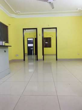 Flat for rent 2bed DD 2nd floor 3 washroom tile flooring big bukhari