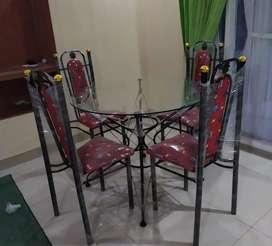 1 set meja makan kursi 4