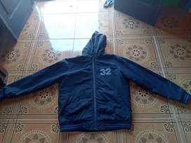 Jaket coverse,size m fit L,lebar 60 cm,panjang 70 cm