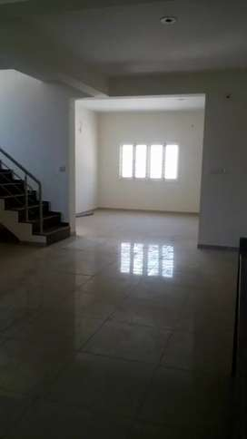 3 b h k bunglwo for sale in Anand borasd crossing