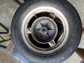 Front and back complete tyre good condition