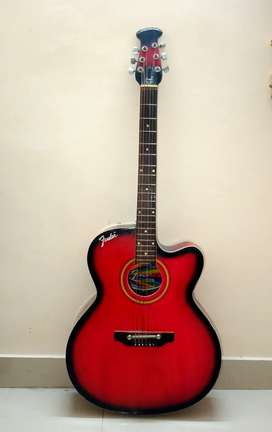 Acoustic guitar in excellent condition !!