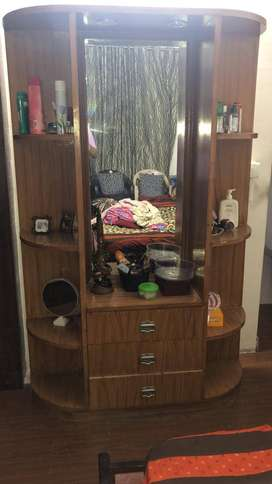 Dressing table with drawers and mirrors