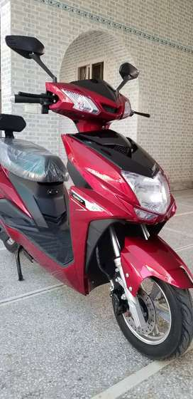 Electric Scooty/Scooter/Bike for girls/boys, model 2020, 80km/Charge