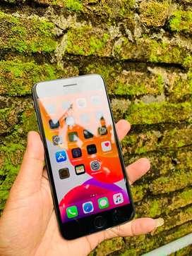 Iphone 8 plus mulus like new