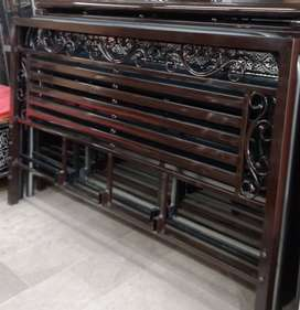 Decent iron bed heavy quality