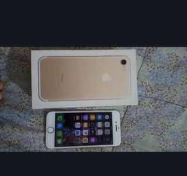Iphone 7 32gb with box 10/10 condition