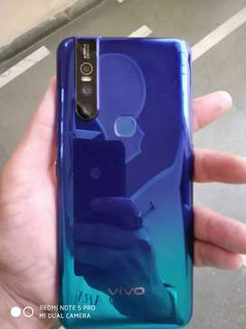 Vivo v15 2 days warranty left 9500 wale vehle msg v na karn