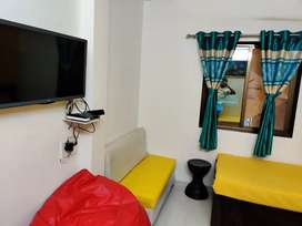 PAYING GUEST-Working professional Girls PG AT Ellora Park & Subhanpura