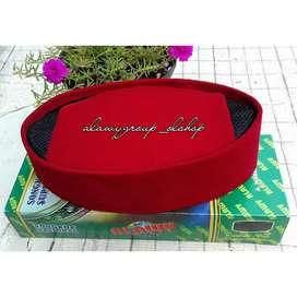 Songkok alawy warna merah