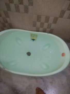 6 month old Baby bath tub. It's from Italian brand Okbaby