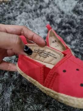 Sepatu HnM kepik mas merah