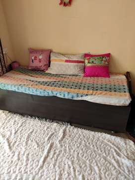Diwan Bed / good condition