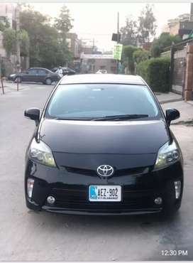 Prius 2014 g led edition top of the line car