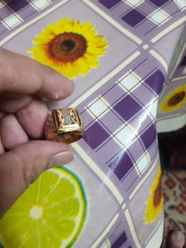 Men gold ring in new condition