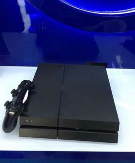 Ps4 500 gb in perfect condition