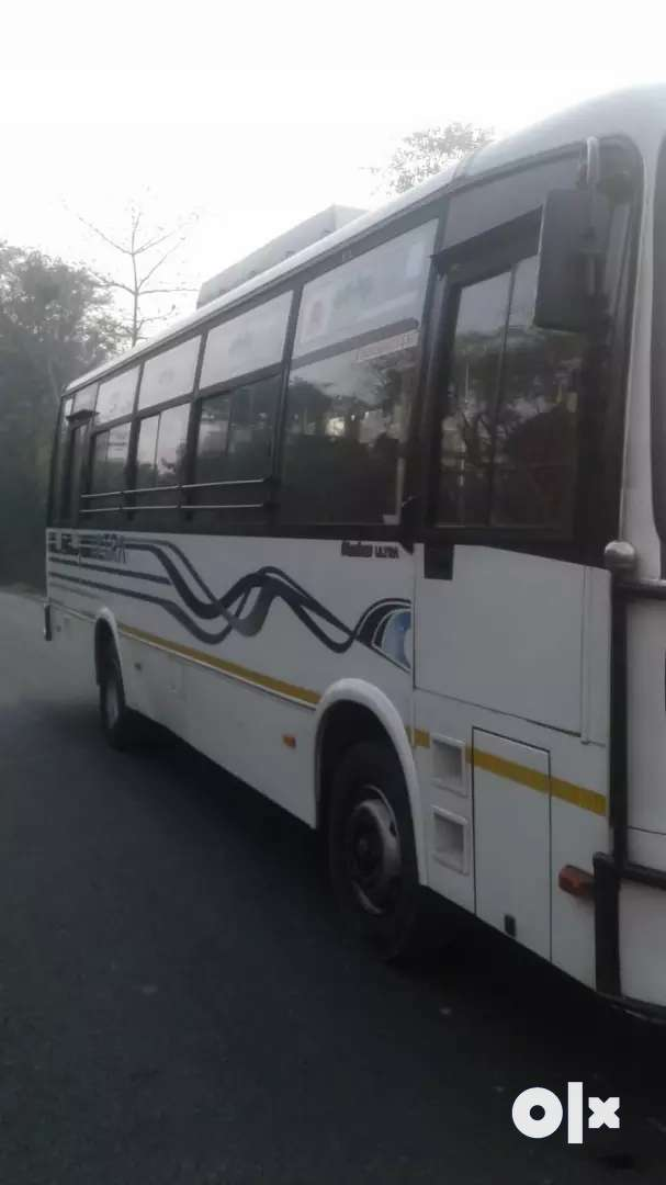 UltrA bus 37seater 0