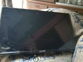 32 inch LED 2019 model company Samsung condition 10/9