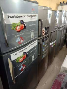 Fridges in second hand in good working condition with warranty