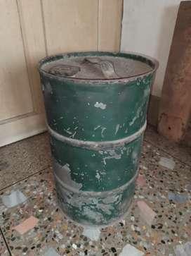 Oil storage iron drum