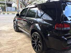 JUAL MOBIL FORD ESCAPE LIMITED 2010 UNIT SPECIAL