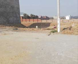 3 shops Commercial plot for Sale in Attawa Market G.T.Road Muridke