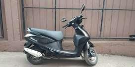 Hero pleasure scooter in sale