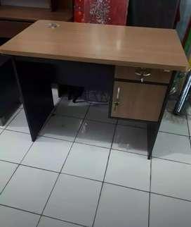 Meja Kantor Murah kualitas Premium Baru uk. 100 x 60 x 75 cm