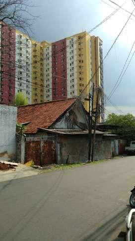 Dijual Rumah Bahan Hitung Tanah Murah dan Sangat Strategis di Cipinang