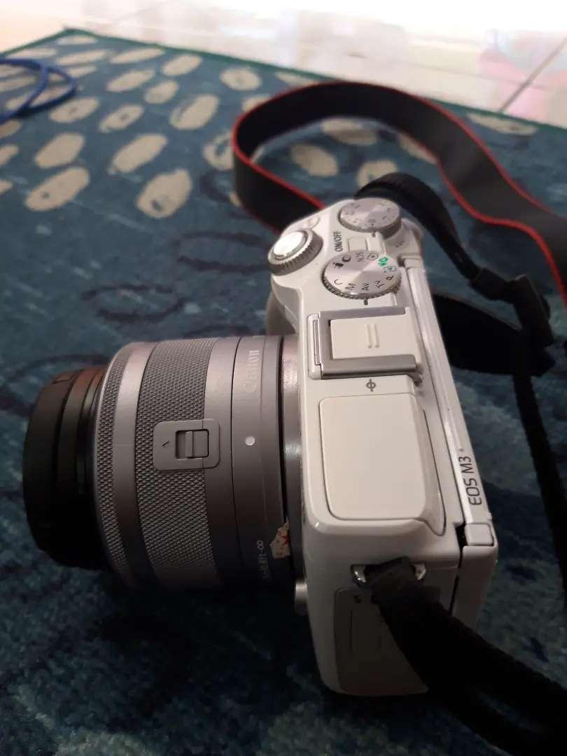 Dijual kamera Mirrorless Canon Eos M3 0