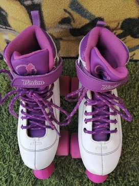 Skating shoes (for girls)